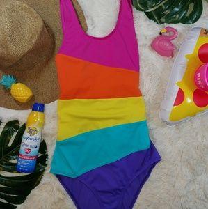 🌞Lands' end multicolor striped one piece swimsuit